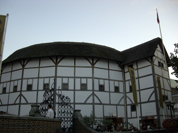 Shakespeares-Globe-Exhibition-1449